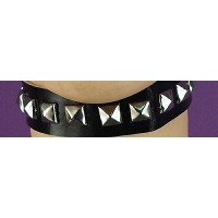 PUNK STUDDED CHOKER